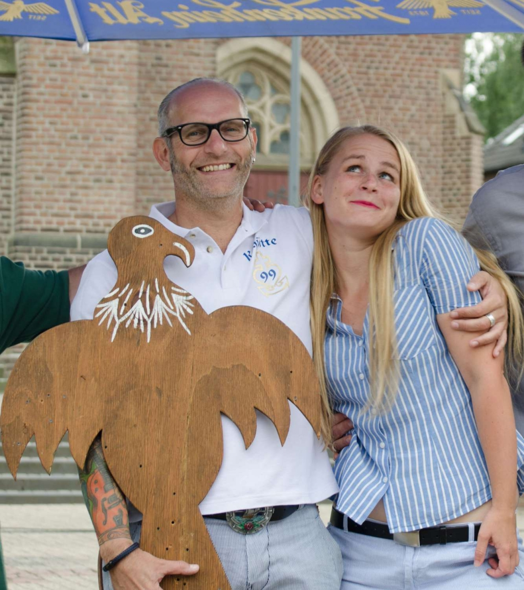 Schützenkönig Norbert Blum mit Lebensgefährtin Jessica Rankers 1333x1500